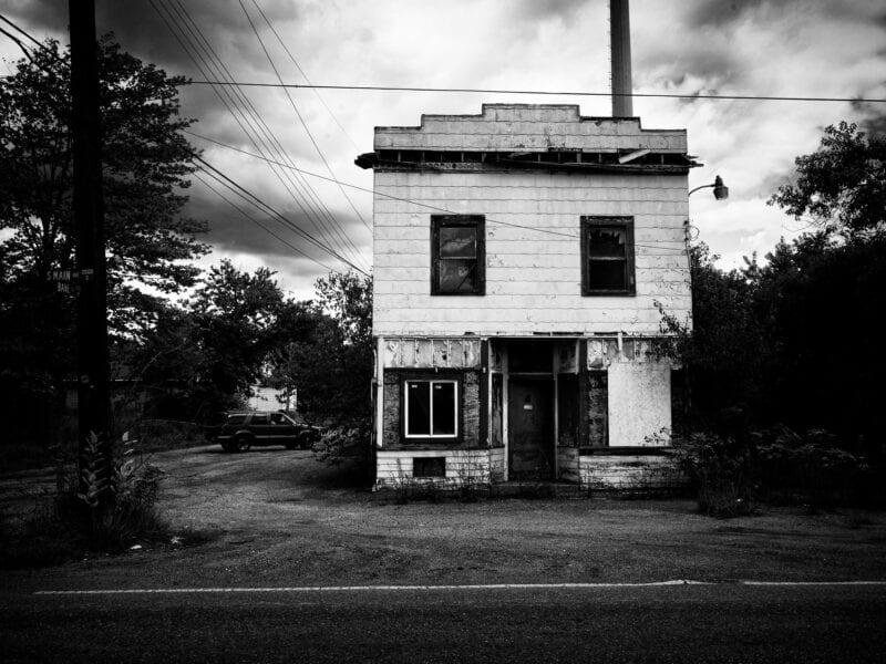 In manchen Orten ist nahezu jede Familie von der Epidemie betroffen. Die Betroffenen bleiben oft nur noch Häuser wie dieses, weil sie das Geld für Drogen brauchen, Ohio 2017