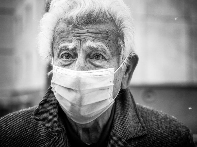 Stockholm, Januar 2021: Manche Gesichter erzählen von der Angst vor einer Infektion.